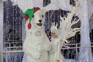 Christmas theme entertainers