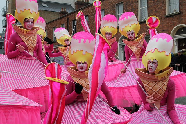 Sweet themed entertainers, street performers